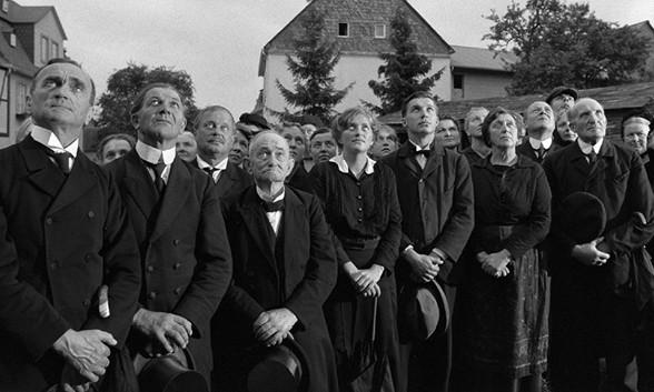 Heimat, une chronique allemande - Film 1 : La nostalgie du vaste monde (1919-1928)